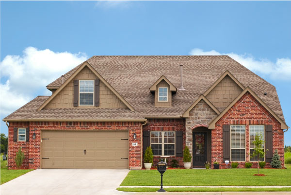 Home in Flint, TX with professional lawn care services.