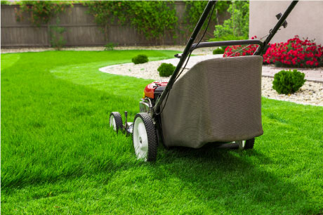 Home in Tyler, TX with professional lawn mowing services.