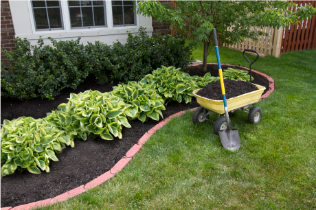 Home in Tyler, TX with professional mulching services.