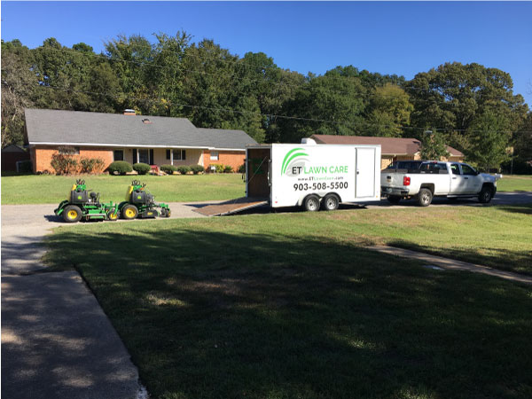 We are parked in Whitehouse TX doing lawn service.