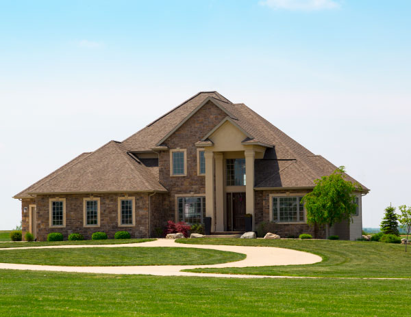 Home in Bullard, TX with professional lawn services.
